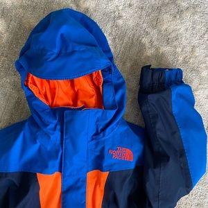 Boys Northface Hyvent 2-in-1 jacket